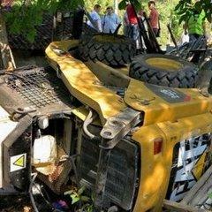 В столиці трапилася страшна аварія за участю евакуатора та автобуса (фото)