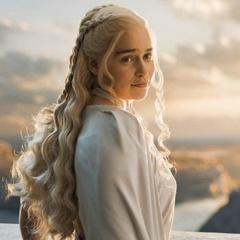 """Журнал Esquire визнав героїню з """"Гри престолів"""" найсексуальнішою жінкою у світі"""