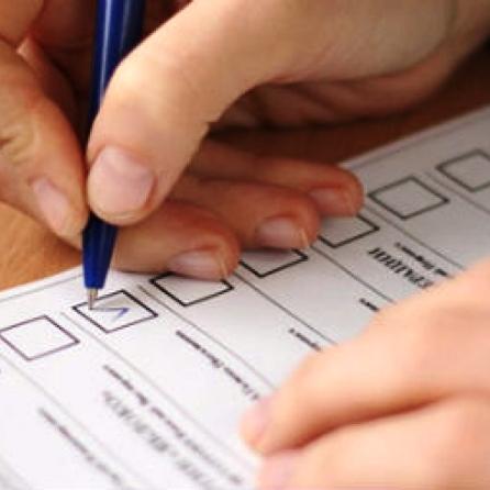 Вибори 2015: Члени Маріупольської комісії відмовились приймати надруковані бюлетені