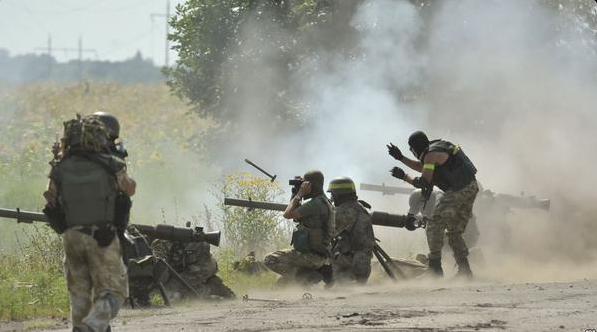 Бойовики весь день провокаційно обстрілювали українських військових— Штаб АТО