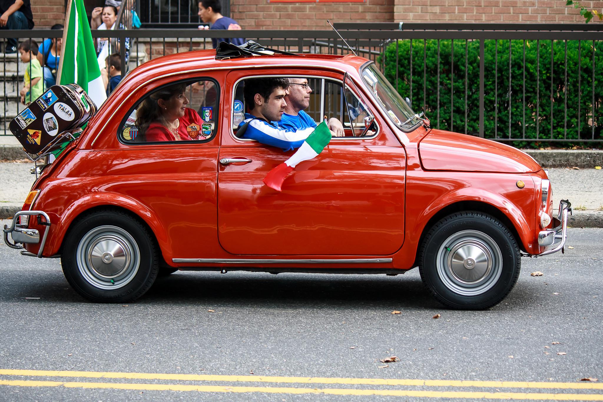 Італія визнала українські водійські права