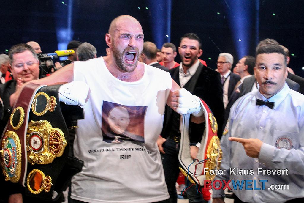 Бокс: Бій-реванш Кличко— Ф'юрі може пройти уВеликобританії