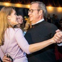 Президент Естонії заручився зі своєю подругою