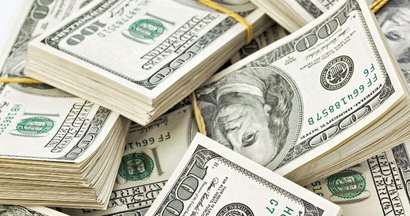 Forbes: Ахметов, Луческу і Клички уТОП-10 платників податків України