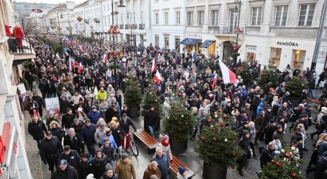 УВаршаві відбувся 50-тисячний мітинг проти дій влади