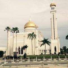 У Брунеї за ковпак Санта-Клауса можна опинитися у в'язниці