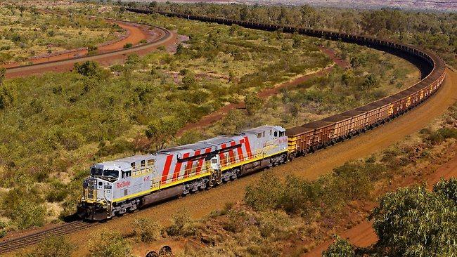 ВАвстралії зійшов зрейок поїзд з сірчаною кислотою