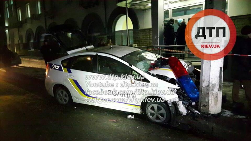 Врезультаті ДТП під час переслідування грабіжників уКиєві постраждали п'ятеро осіб