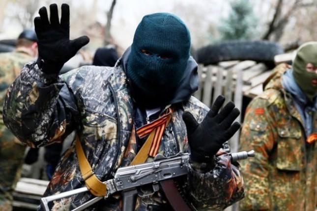 Прес-центр штабу АТО: Бойовики обстріляли Зайцеве, жінка поранена