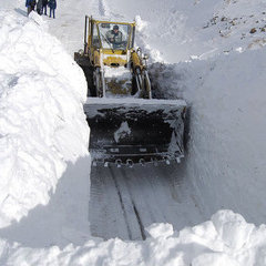 У Грузії повністю засипало снігом єдину дорогу в РФ