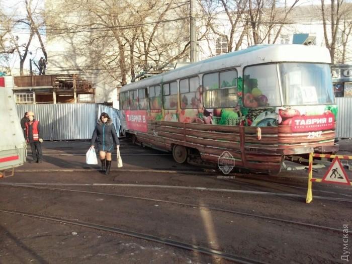 ВОдесі трамвай зійшов зрейок: є жертви