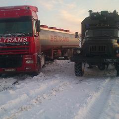 Впродовж доби рятувальники визволили зі снігових заметів 264 транспортних засоби