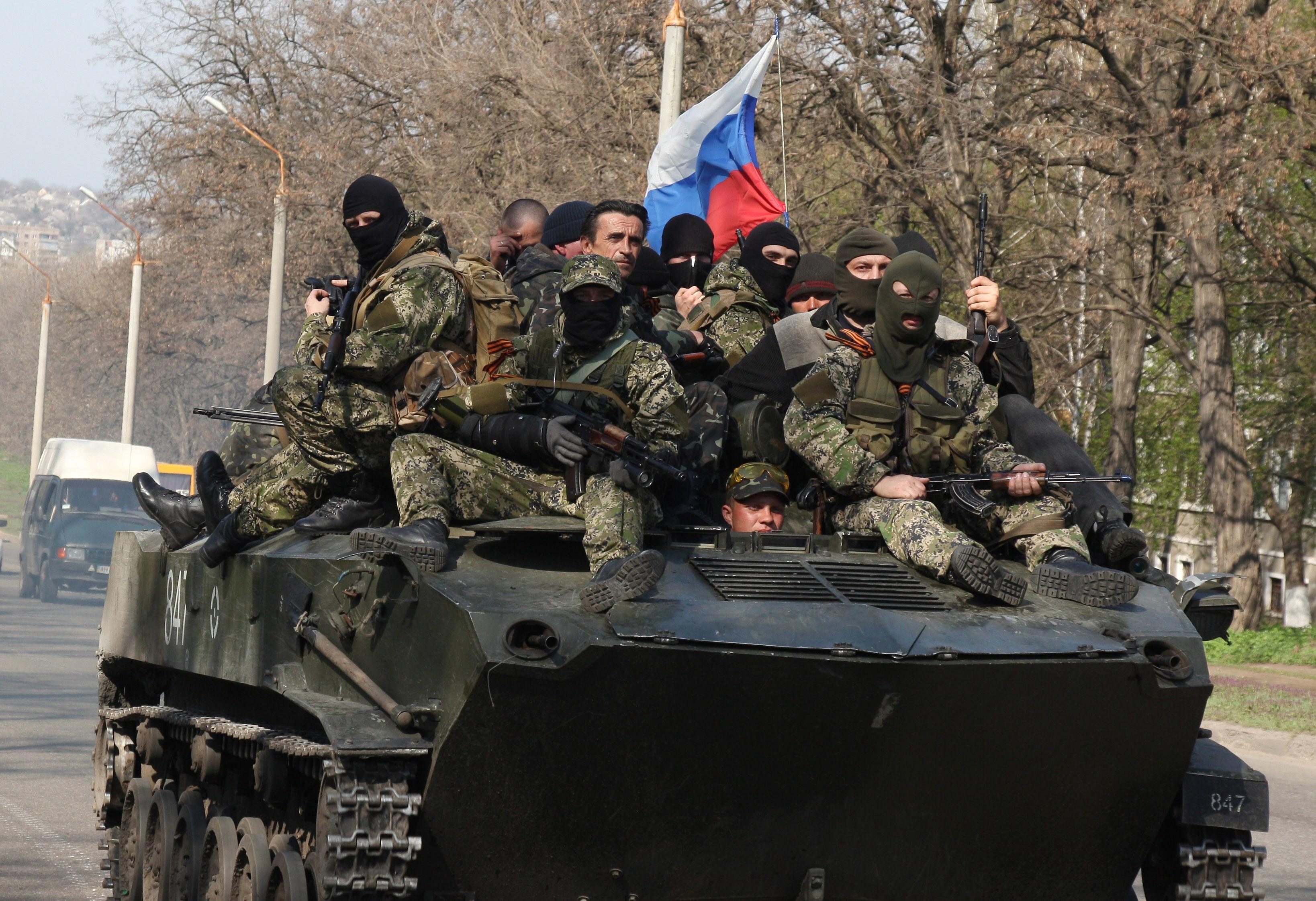 Стало відомо, скільки російських військових воює наДонбасі