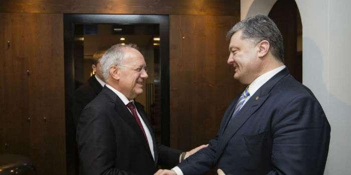 Порошенко уДавосі домовився про додаткові $200 млн від Швейцарії