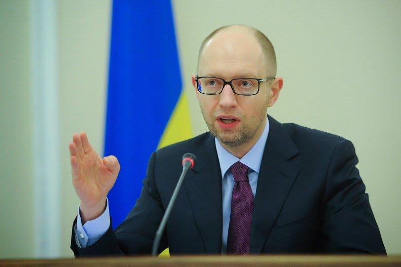 Яценюк повідомив про зростання контрактників вармії