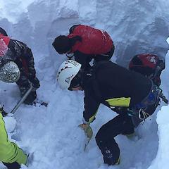 В Австрії групу чеських туристів накрило лавиною