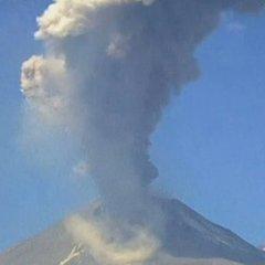 У Мексиці прокинувся один з найбільших вулканів Землі (ВІДЕО)