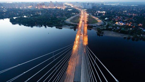 Натрьох мостах вКиєві обмежать рух