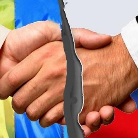«Росія нічого не втратить, а от ви…», - як москвичі реагують на намір України розірвати дипвідносини