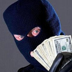 У Запоріжжі в поліцейських кинули гранату під час пограбування банку
