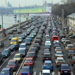 Київ стоїть: пробки досягли 9 балів