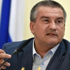 Аксьонова зламали: хакери змусили «голову» Криму вибачитись перед кримцями