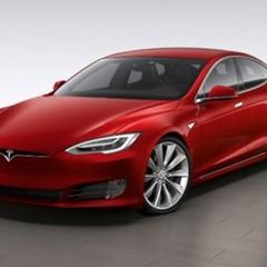 Tesla встановлює неперевірене ПО  в своїх електромобілях без відома власників