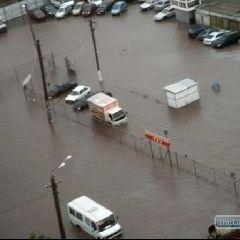 Через потужну зливу Одеса перетворилася на Венецію