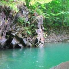 Закарпатська «райська лагуна» приваблює туристів (ФОТО)