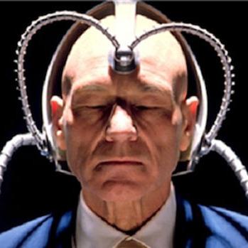 Американець створив шолом для керування людьми (ВІДЕО)