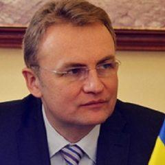Мер Львова розповів, хто організував заворушення біля міськради