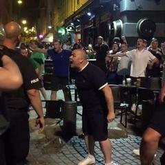 Українських фанатів у Франції побили російськомовні люди в балаклавах, - депутат
