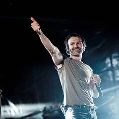 Океан Ельзи після концерту у Львові перерахував 50 тисяч доларів на пальне для реанімобілів