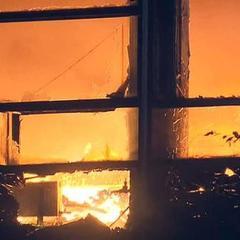 У Підмосков'ї палає меблева фабрика, є загиблі (ВІДЕО)