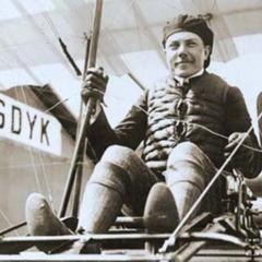 В цей день у 1876 році в Одесі народився льотчик-випробувач Сергій Уточкін