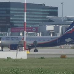 В аеропорту Варшави лайнер «Аерофлоту» зіткнувся з польським літаком (фото)