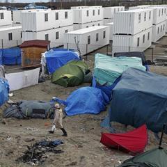 Перекладачка французького журналіста була зґвалтована в таборі мігрантів в Кале