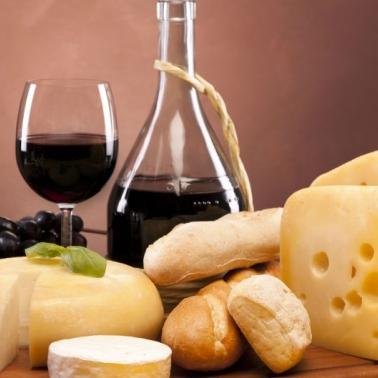 У Львові розпочалося Свято сиру і вина