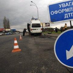 На Чернігівщині мікроавтобус із іноземцями вилетів у кювет, є загиблі