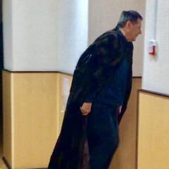 Чугуївський суддя в норковій мантії розповів, що це - не мантія. І не норка