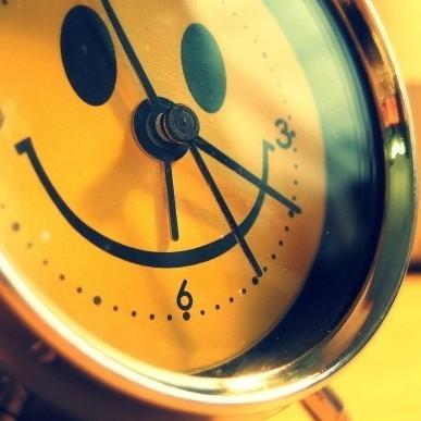 У ніч на неділю Україна переводить годинники