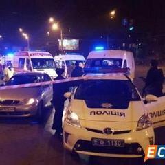 У Києві сталося жахливе ДТП за участі карети швидкої допомоги (фото)