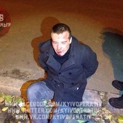 У Києві підлітки влаштували самосуд над грабіжником, що викрав телефон (фото, відео)