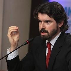 НБУ фактично грабує економічно активних українців, - економіст
