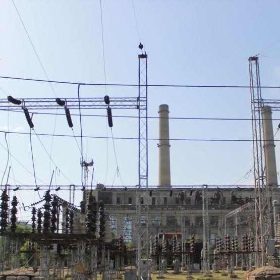 Хто і як оплачує постачання електрики в окуповані міста Луганщини