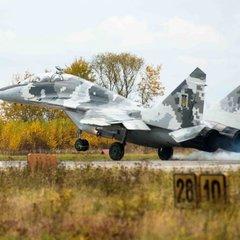 Фото навчань українських бойових пілотів