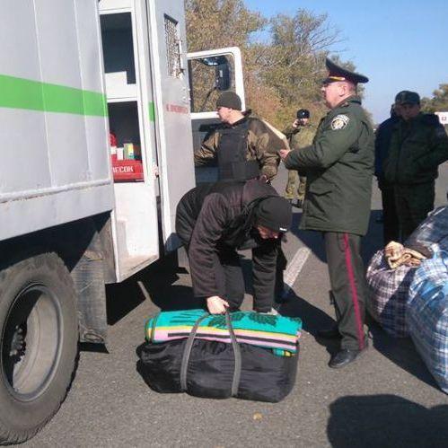 В українські в'язниці просяться до 400 в'язнів з окупованого Донбасу, - Лутковська