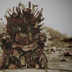 Зима близько! - волонтери виставили на аукціон залізний трон із зони АТО