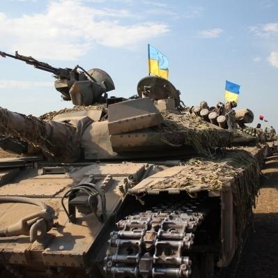 Користувачі соцмереж у захваті з відео про танкові навчання українських військових (відео)