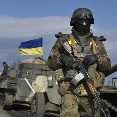 Російсько-окупаційні війська обстрілюють Широкине з танків